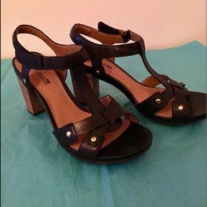 Clarks… Sandals… Comfort